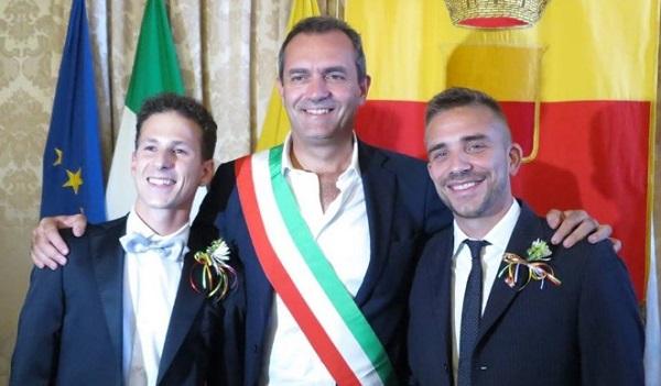 Napoli, celebrata la prima unione civile