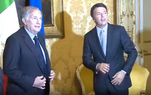 Referendum, l'amico americano aiuta Renzi: l'ambasciatore fa campagna per il Sì, è scontro