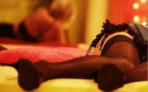 Giro di squillo in un club di Monteforte Irpino: 5 misure cautelari, si prostituivano 2 mogli di indagati