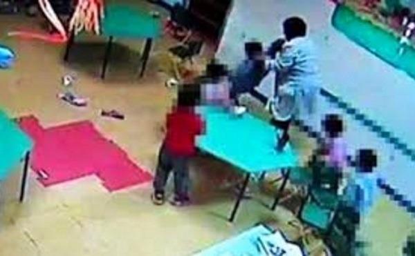 Poggiomarino, schiaffi e oggetti lanciati contro bimbi di prima elementare: arrestate due maestre
