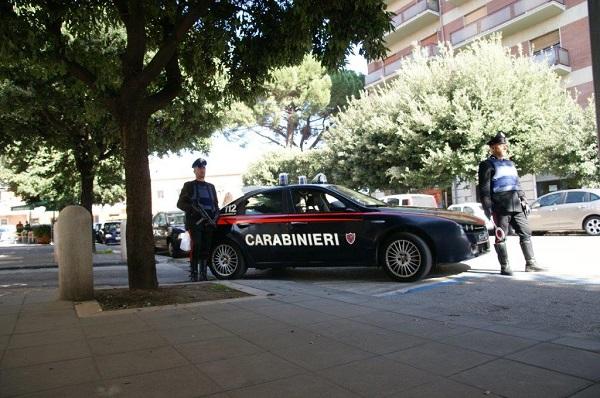 Benevento, preleva soldi alla posta e viene rapinato: arrestate due 20enni