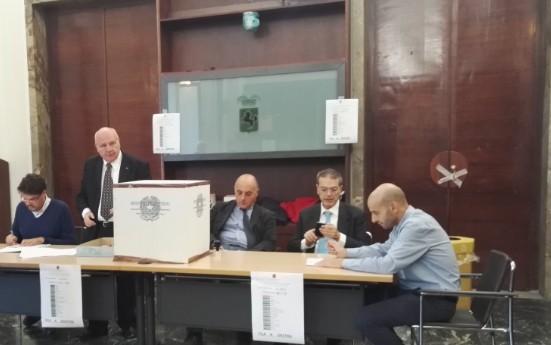 Città metropolitana di Napoli, seggi aperti: si vota per il nuovo consiglio