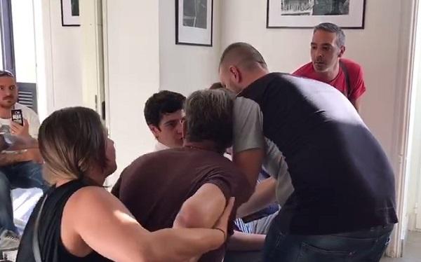 """Napoli, caos movida al centro storico: urla e rissa sfiorata al Comune. Del Giudice: """"Ora codice etico"""""""
