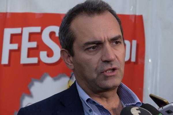 """Napoli, de Magistris:""""No a 80% dei lavoratori in Smart Working. Le mail non possono sostituire il lavoro"""""""