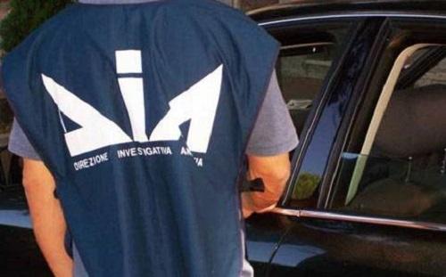 Napoli, operazione antimafia: arrestati due imprenditori di Aversa