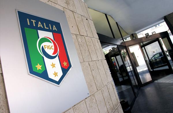 Inchiesta Fuorigioco, deferiti 16 club: anche Napoli, Juventus e Inter