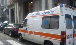 ilmattino_ambulanza_protesta_licenziati_ildesk