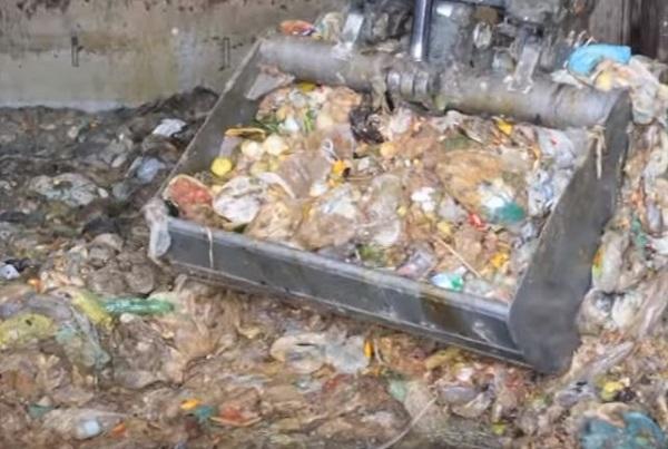"""Impianto di compostaggio a Chiaiano, de Magistris stoppa il progetto: """"Troveremo altre aree"""""""