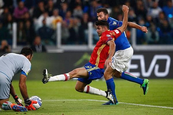 L'Italia acciuffa la Spagna con un rigore