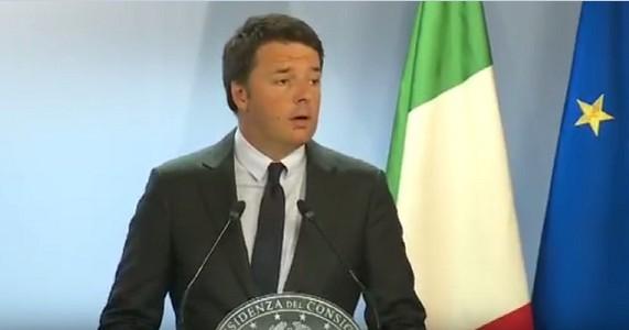 """Renzi fa il bullo con l'Ue ed espone l'Italia al rischio procedura di infrazione: """"La manovra non cambia"""""""