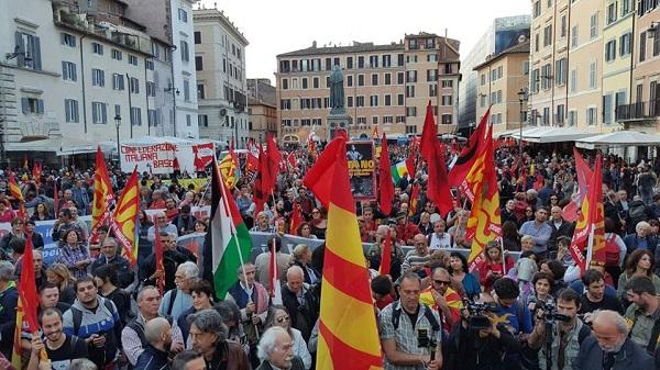 """No Renzi day, a Roma in 40mila per dire """"No alla controriforma costituzionale"""""""