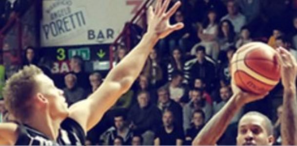 Basket, Caserta travolta a Varese