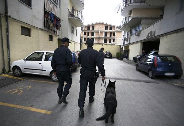 Spaccio di droga a Melito, 3 arresti