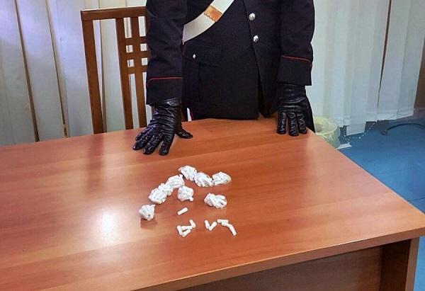 San Giovanni a Teduccio: 100 dosi di eroina addosso, arrestato