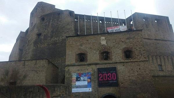 Napoli, senza lavoro occupano Castel dell'Ovo prima del tavolo Comune-Regione