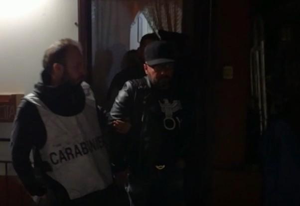 Barra, latitante di camorra catturato in casa di una insospettabile