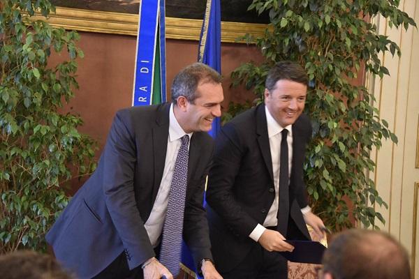 "Referendum, sorpresa de Magistris: ""Se vince il No Renzi non deve dimettersi"""