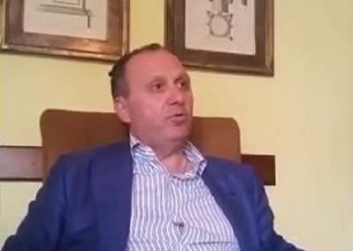Mariglianella, colpo di fucile contro la porta di casa del sindaco