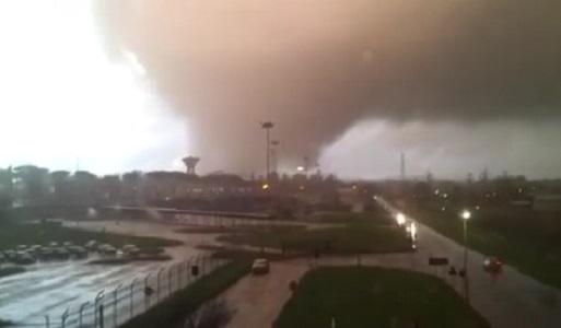 Il maltempo si abbatte sul Centro Italia, tromba d'aria fa due morti nel Lazio