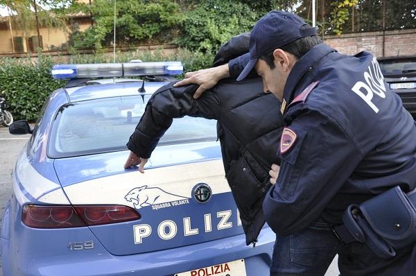 Castel Volturno, colpito da ordine di cattura per furto: arrestato