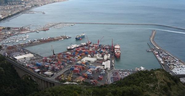 Salerno, sequestrata nel porto nave con 110 kg di cocaina