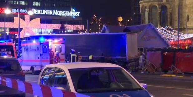 Attentato a Berlino, il fermato è un profugo. Sale bilancio delle vittime