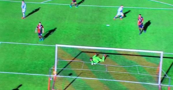 Cagliari-Napoli 0-2 al 45′: Mertens e Hamsik sigillano un primo tempo irresistibile