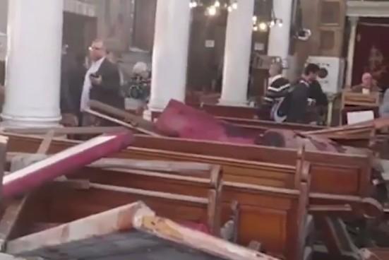 Attentato contro i cristiani al Cairo, tritolo in chiesa fa 25 morti