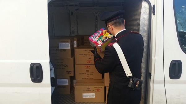 Villaricca, 40 kg di botti proibiti in un furgone: denunciato 43enne