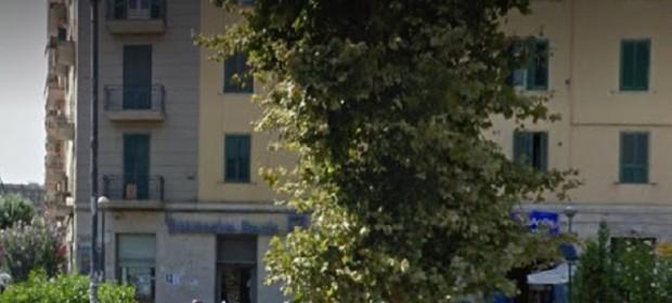 Napoli, banda del buco in banca: paura in piazza Medaglie d'oro