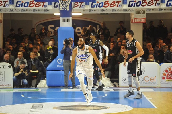 Basket, Caserta travolta a Brindisi