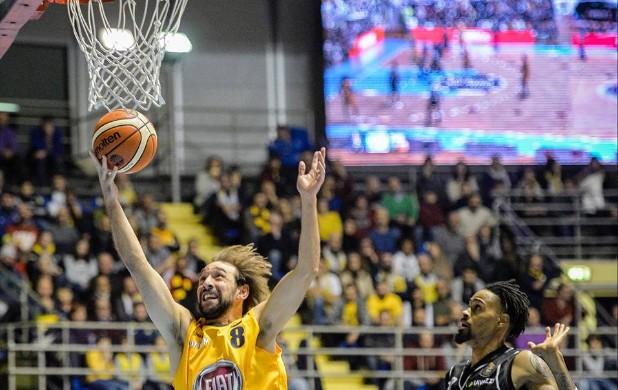 Basket, Caserta ko a Torino