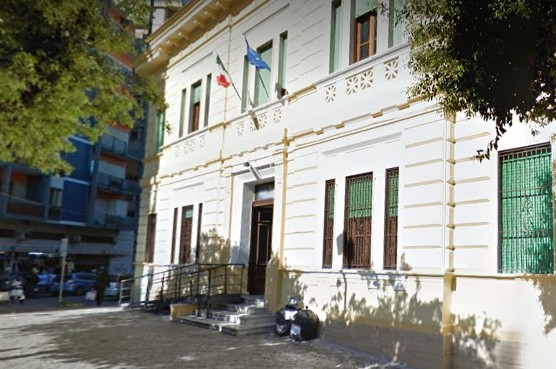Castellammare di Stabia, protesta studenti: docenti contuse nella ressa