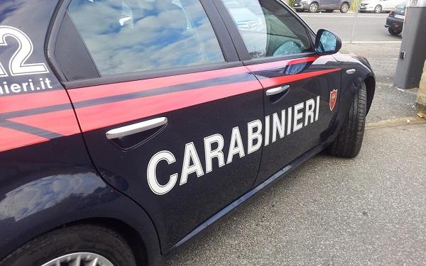 Castel Volturno, si getta dall'auto per sfuggire a marito: arrestato il violento