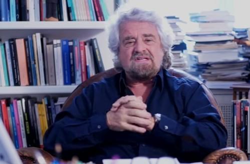 """Roma, Grillo blinda Raggi: """"Il sindaco non si tocca"""""""