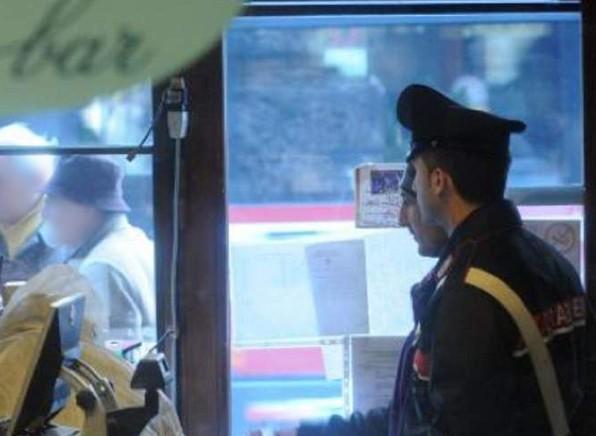 Volturara Irpina, gli rifiutano alcol: minaccia titolari di bar e molesta clienti, denunciato