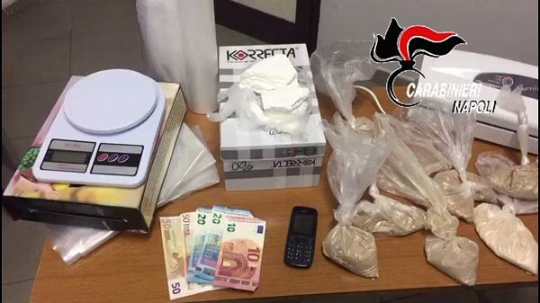 Casandrino, droga in cucina: presa 28enne incensurata