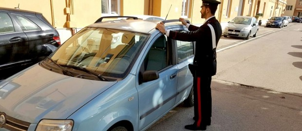 Napoli, furti di barre portapacchi: preso 37enne al Vomero
