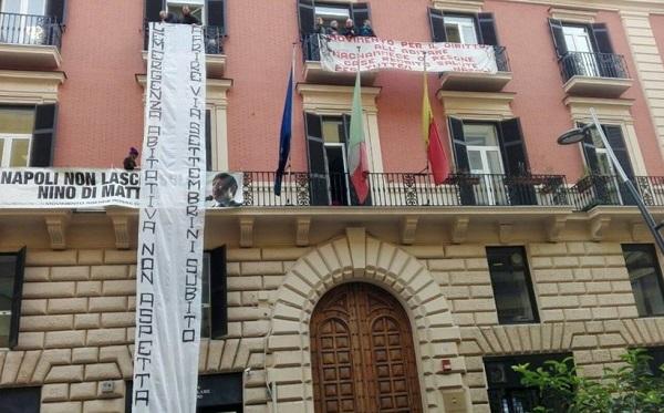 Napoli, consiglio comunale occupato da inquilini case popolari