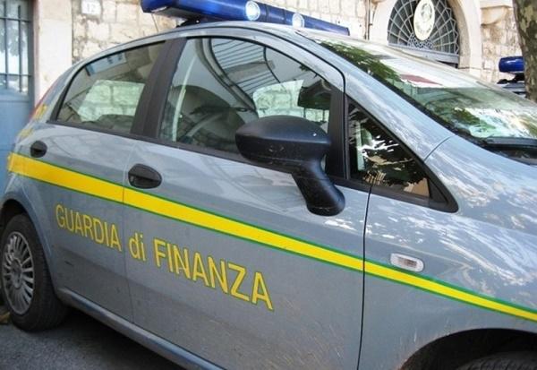 Peculato, fermato a Napoli funzionario Cnr: fondi dell'istituto per vasca idromassaggio