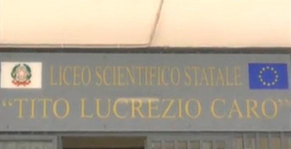 Napoli, confermato caso di meningite al Lucrezio Caro: chiusa la scuola