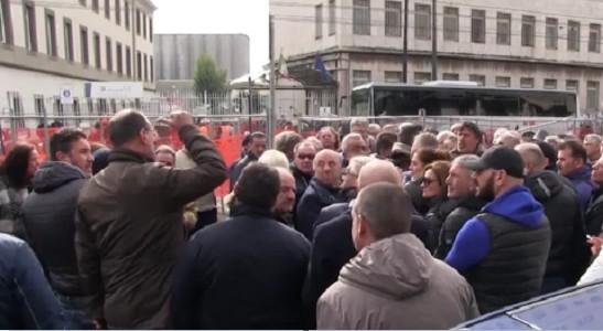 Tragedia al presidio Lsu, perché protestavano i lavoratori socialmente dimenticati