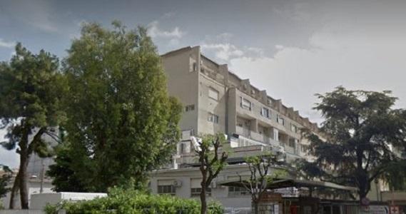 Castellammare di Stabia, folla al pronto soccorso: arrivano i carabinieri