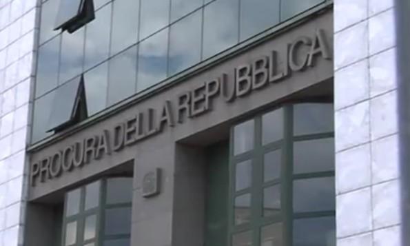 Candidati a loro insaputa, indagato consigliere comunale a Napoli