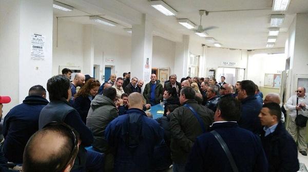 Licenziamenti e stipendi d'oro all'Anm, Ramaglia contestato all'assemblea dei lavoratori