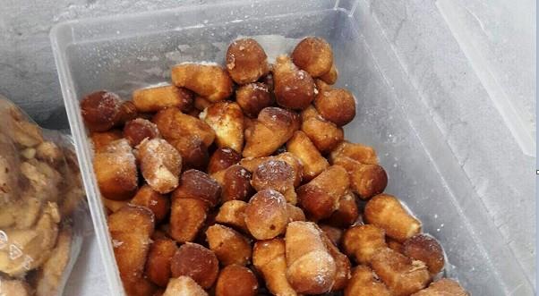 Somma Vesuviana, alimenti non tracciati: sequestrati 500 kg di babà, zeppole e rustici
