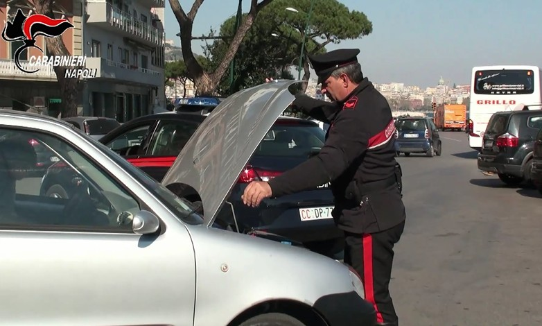 Napoli, riciclaggio milionario di auto rubate: 39 denunciati