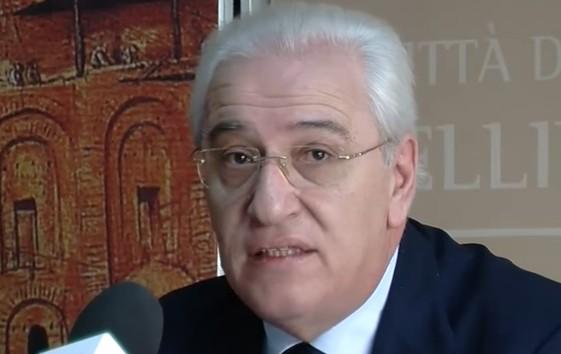 Falso e abuso d'ufficio, ad Avellino indagati il sindaco Foti (Pd) e mezza ex giunta