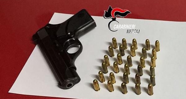 Pompei, pistola e cartucce in casa: arrestato