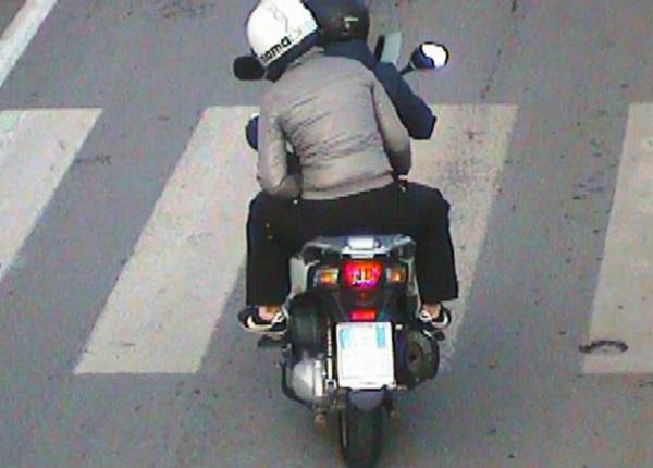 Napoli, rapine nel traffico a Chiaiano e Piscinola: presa coppia di fidanzati